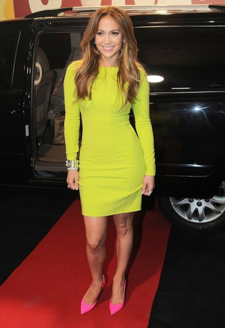 celebrity-style-j-lo-wears-yellow-neon-dress-with-a-twist-2
