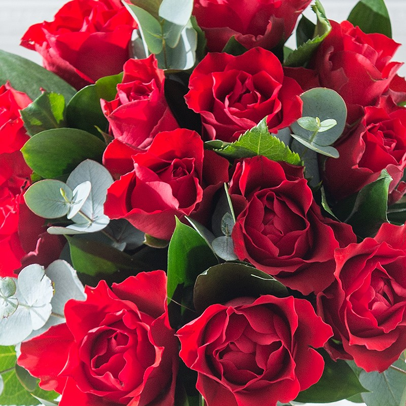 Top 5 valentines day ideas for him and her fashuun village for Valentines day flowers for him